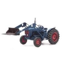 Traktor Ford med Frontskovl