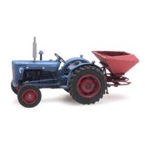 Traktor Ford med gødningsspreder