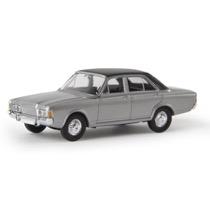 Ford 26m (P7b), silber, TD