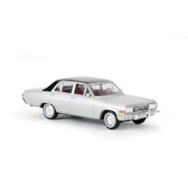 Opel Diplomat V8 laplatasilber