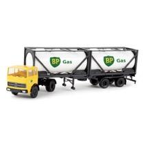 "Lastbil med ""BP"" tankcontainer"