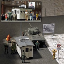 Checkpoint Charlie H0