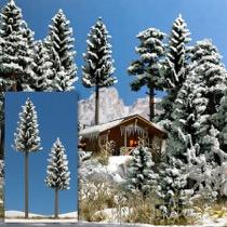 2 Snedækkede Grantræer., 130-195 mm