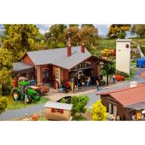 Traktor og maskinværksted