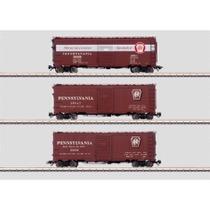 """Box Car mit einfacher Schiebetür (Single Door) Typ XM der Pennsylvania Railroad (PRR). Ausführung mit großem Signet (""""Herald"""")."""