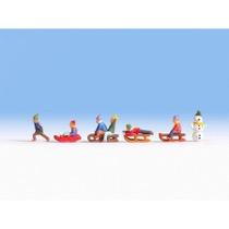 Børn i sneen