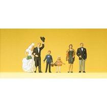 Brudepar og gæster