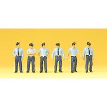 Feuerwehrmänner in Sommerunif