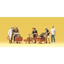 Rejsende. Med bagagevogne