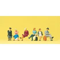 Sitzende Reisende