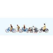 Unge med cykler