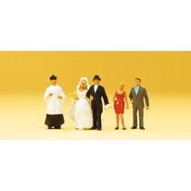 Brudepar, katolsk præst